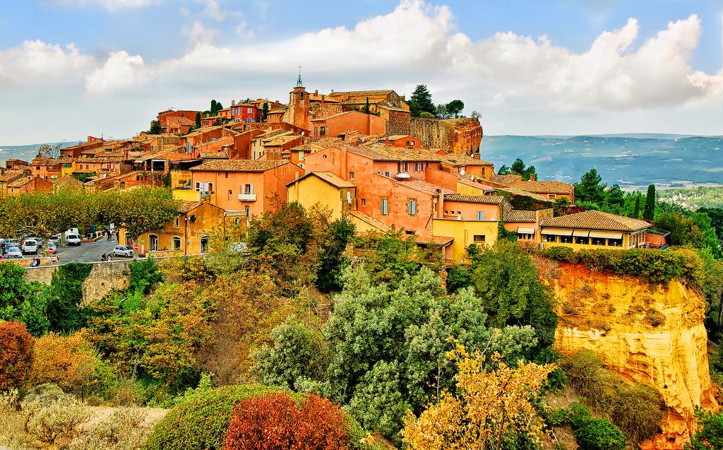 Вид на осенний Руссльон, Прованс, Франция