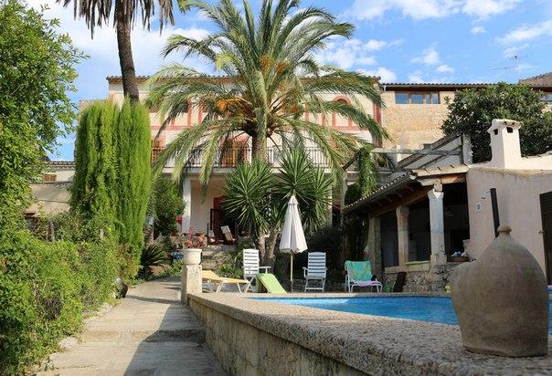 Частные апартаменты с бассейном в Кампанете, Испания