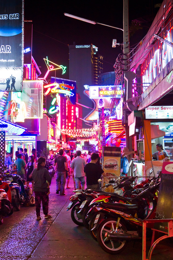 Улица Soi Cowboy, Бангкок