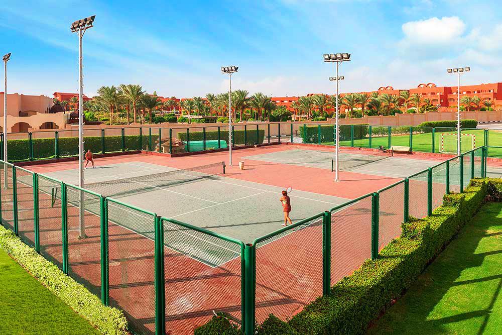 Теннисный корт в отеле Rixos Шарм-эль-Шейх