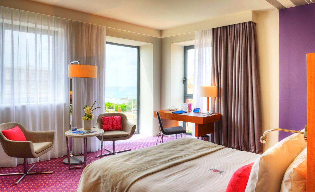 Номер в Radisson Blu Hotel Biarritz