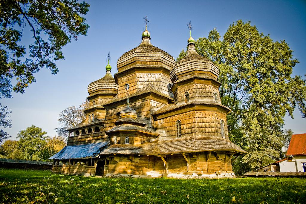 Соборы и церкви в Карпатском крае