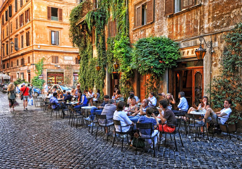 Улицы Рима, Италия