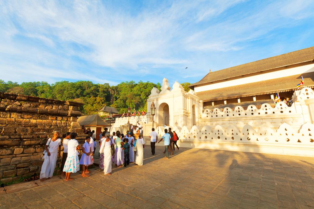 Вход в храм, Шриланка