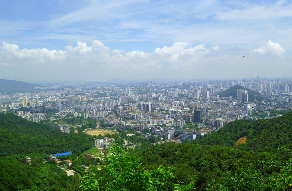 Вид с горы Байюнь, Гуанчжоу