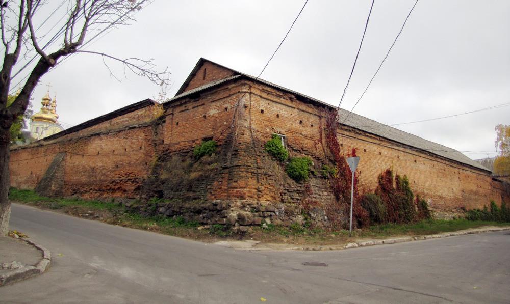 Винницкие муры, стена