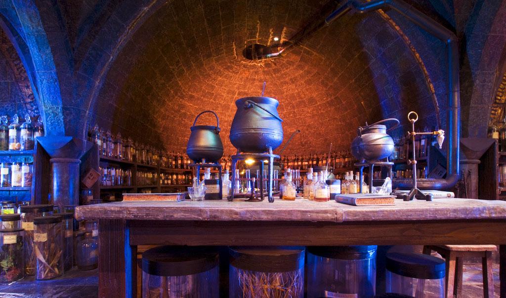 Класс Зельеварения в музее Гарри Поттера в Лондоне
