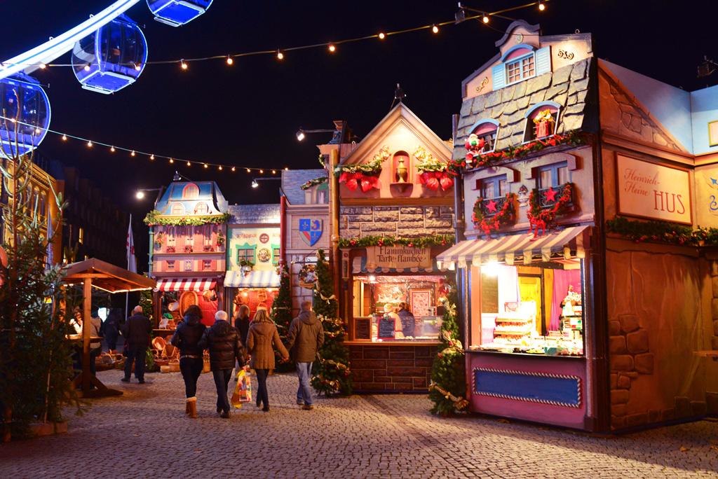 Рождественская ярмарка на Замковой площади