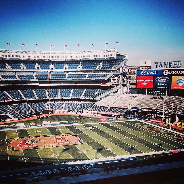 Стадион Yankee Stadium в Нью-Йорке