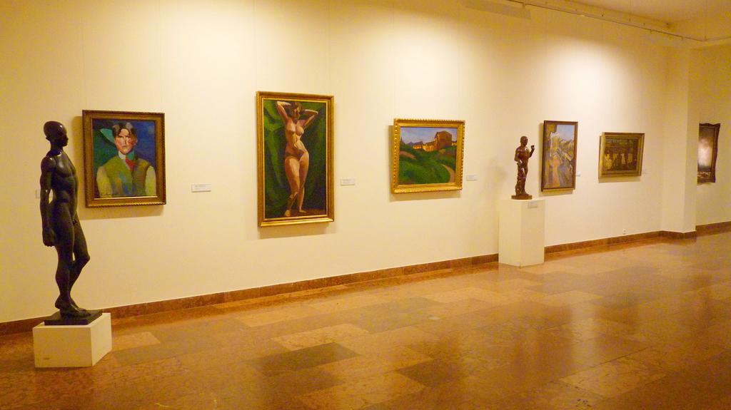 Залы Венгерской национальной галереи