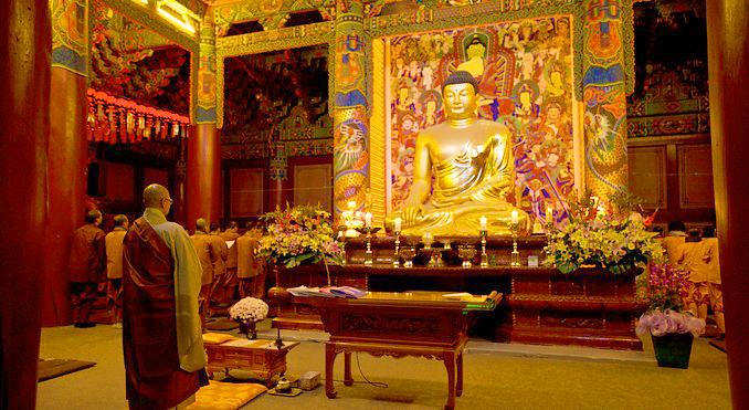 Золотой Будда, Вольчжонса, Южная Корея