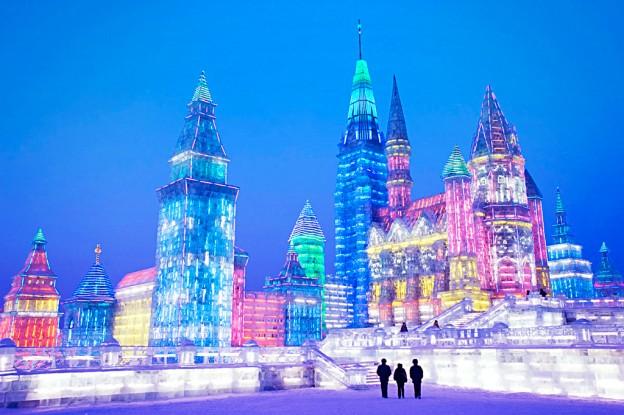Харбинский международной фестиваль снежных и ледяных скульптур в Китае