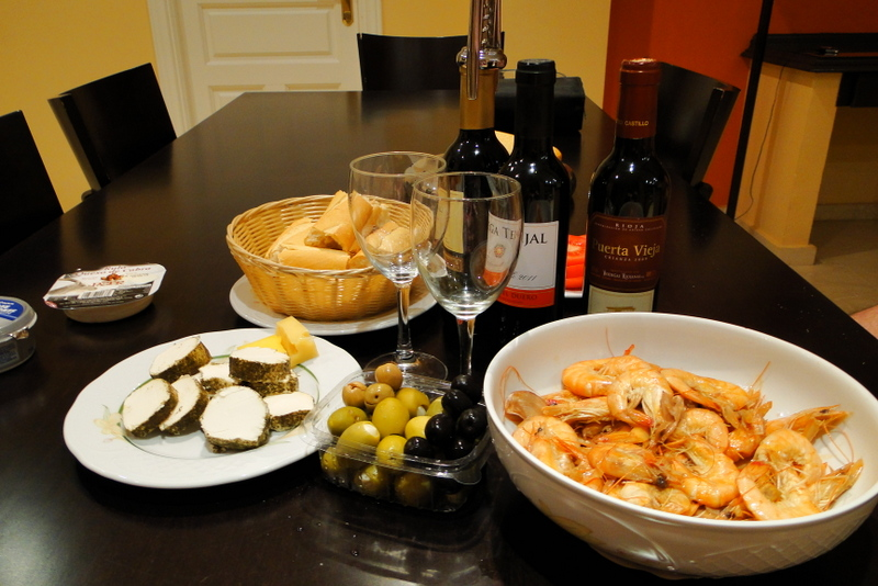 Ужин с вином и морепродуктами в Испании