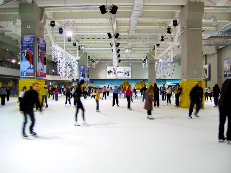 Ледовый каток в ТРЦ Большевик, Киев