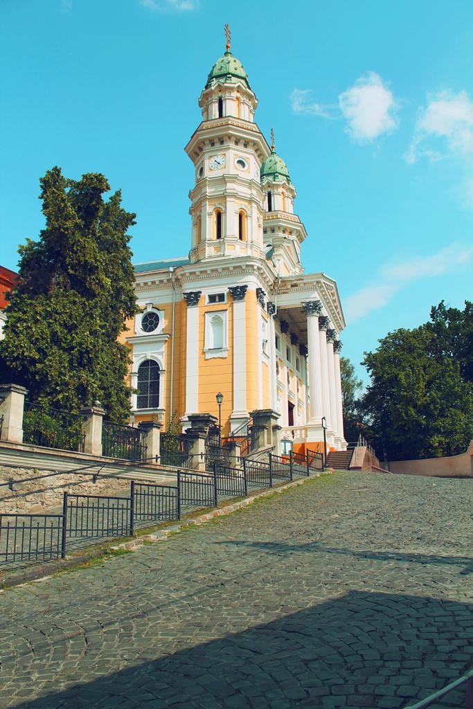Крестовоздвиженский кафедральный собор в Ужгороде