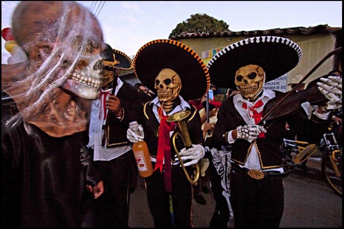 Мариачи на Dia de los Muertos