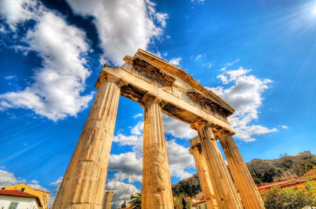 Руины храма Зевса Олимпийского в Афинах