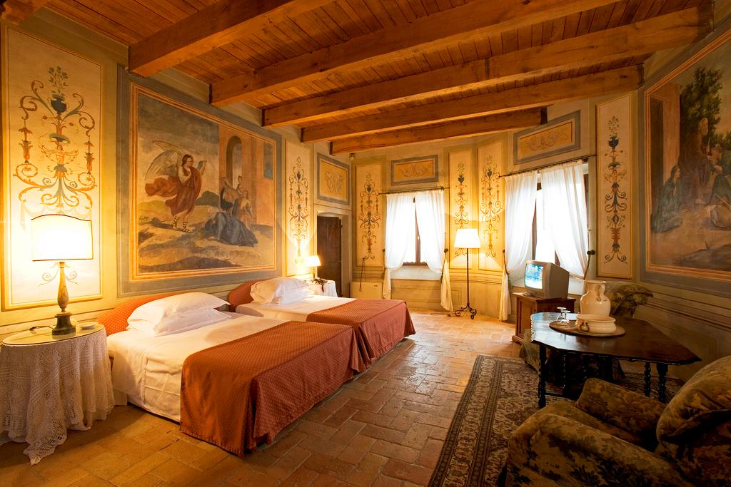 Номер Palazzo Viviani Castello Di Montegridolfo
