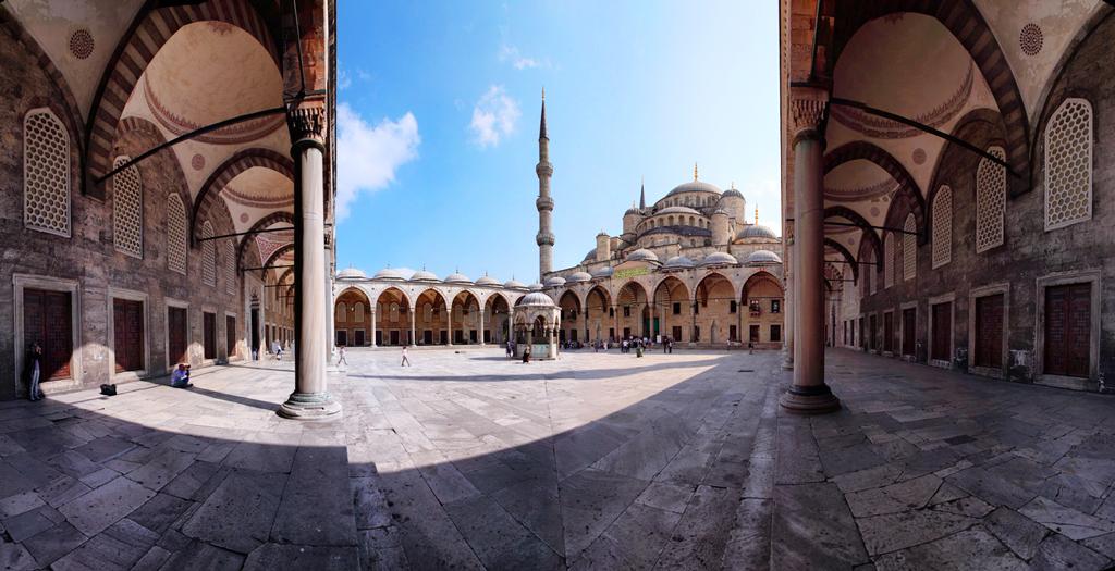 Вид на внутренний двор, Голубая мечеть, Стамбул