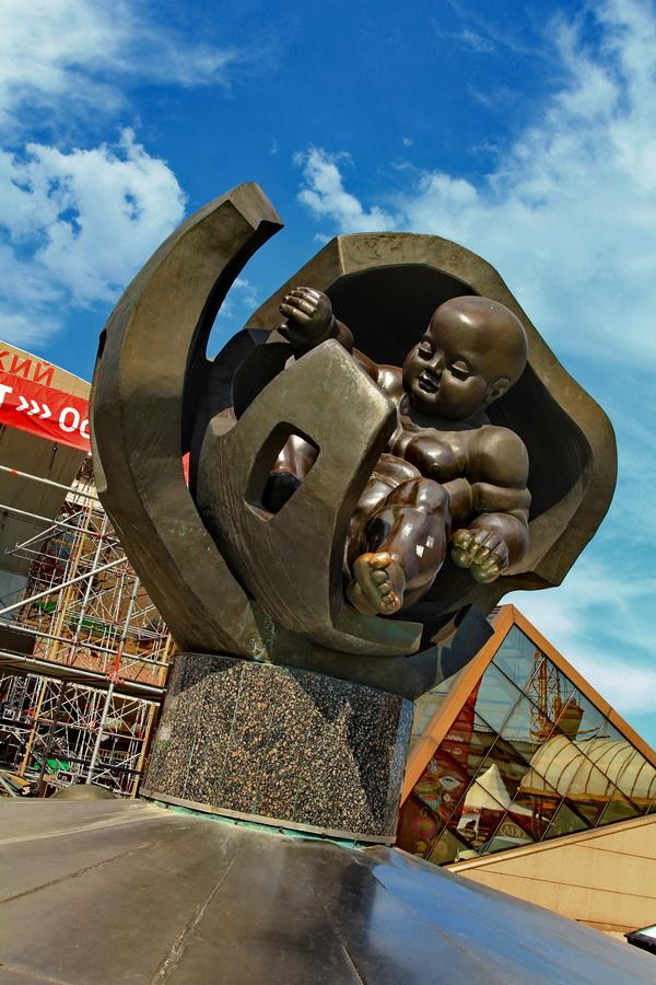 Скульптура Золотое дитя