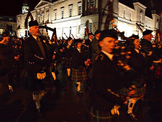 Уличные концерты в Эдинбурге