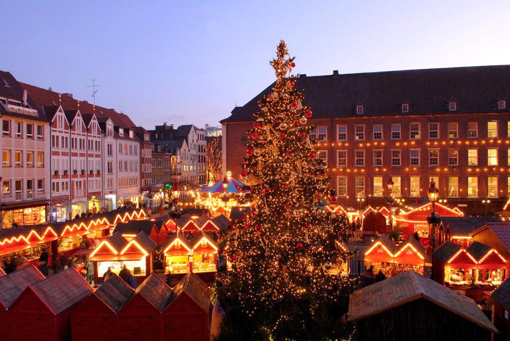 Рождественская ярмарка на площади Марктплац