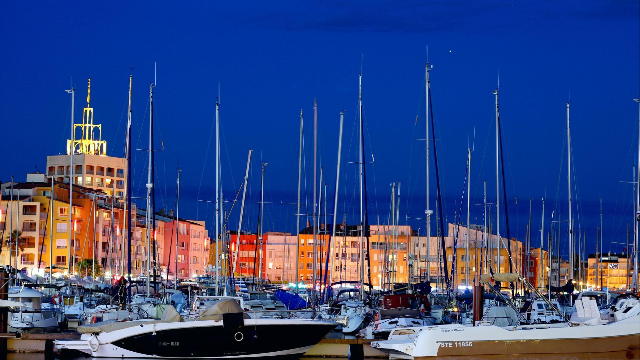 Agde pictures d cap Cap d'Agde: