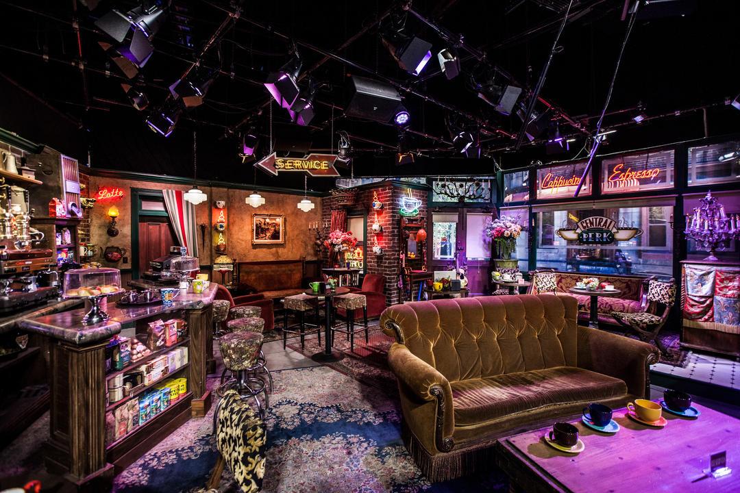 Интерьер Central Perk Cafe в студии Warner Bros в Бербанке