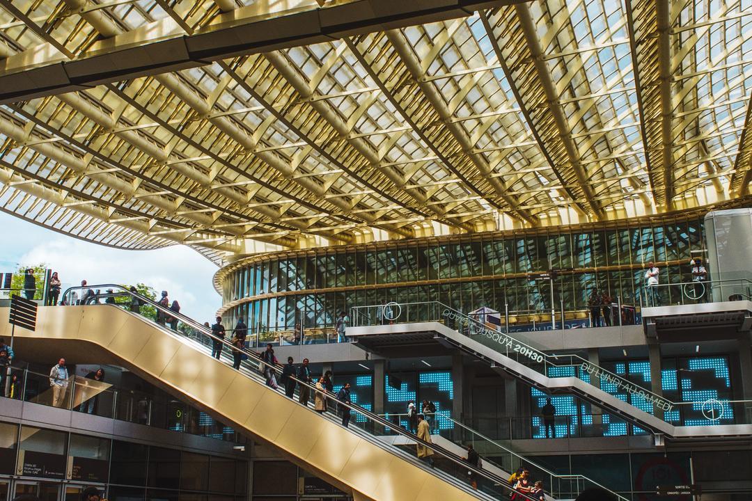 Металлическая конструкция стеклянной крыши
