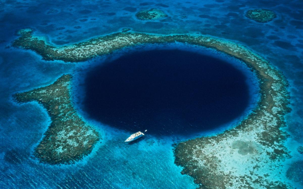Картинки по запросу большая голубая дыра белизский барьерный риф