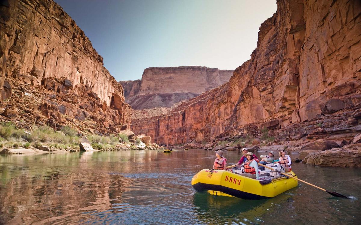 Национальный парк Гранд-Каньон на лодке