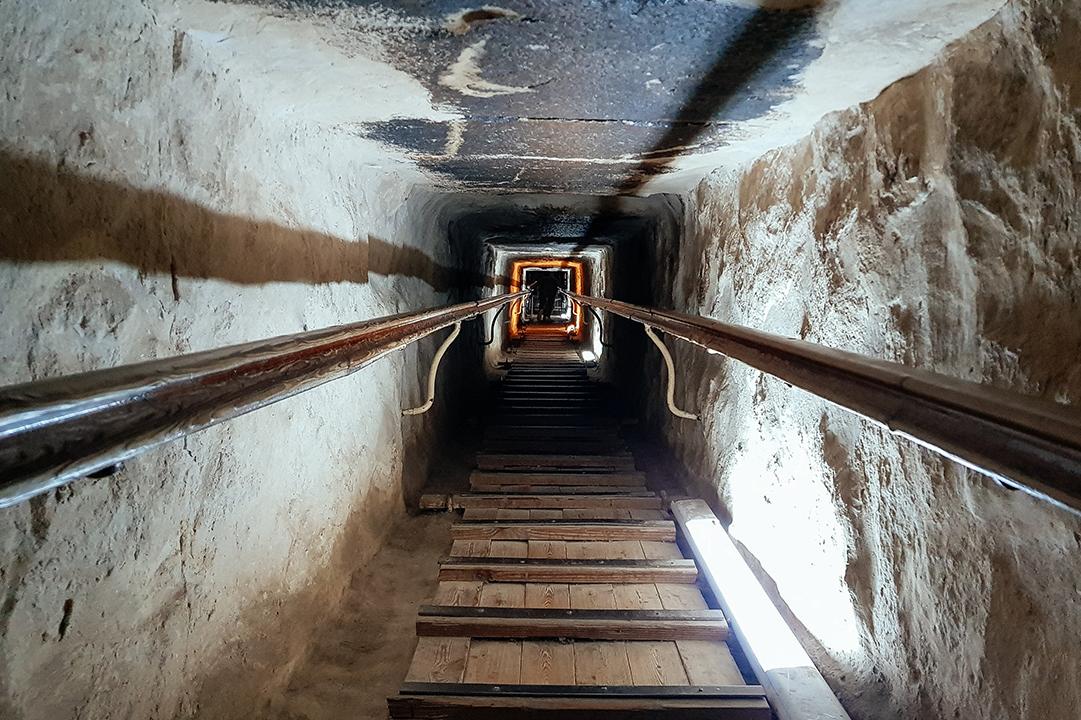 Пирамида Хеопса фото внутри