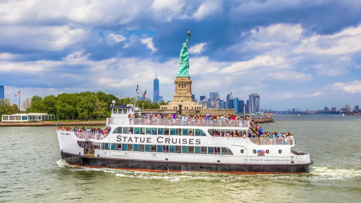 the statue of liberty in new york, usa — ferry tickets - planet of