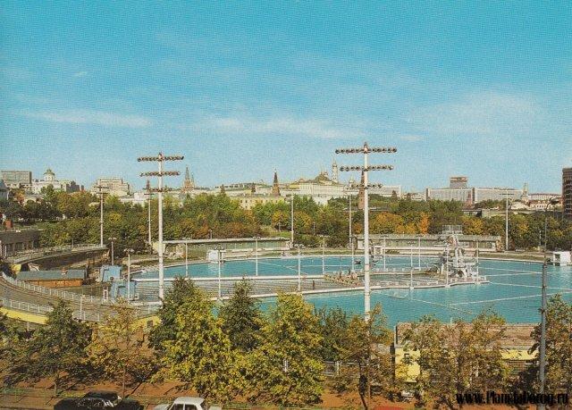 Храм Христа Спасителя бассейн
