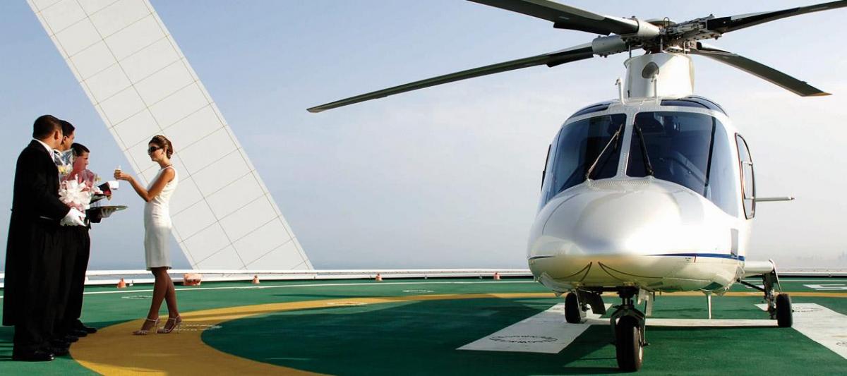 площадка для посадки вертольотов в отеле Бурдж-аль-Араб