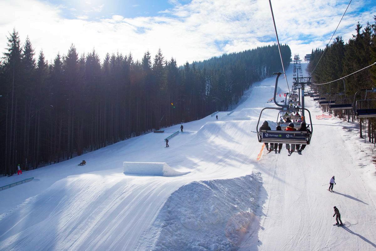 Картинки по запросу буковель подемник лыжи