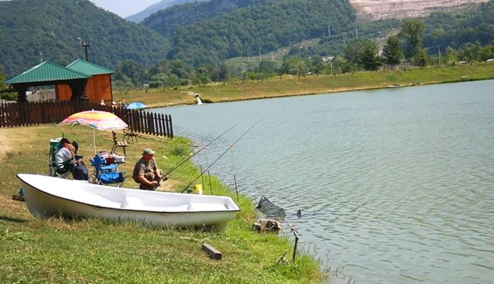 адлер рыбная ловля  получи озере