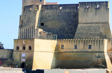 Замок Кастель дель Ово