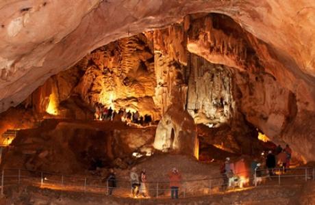 Красные Пещеры