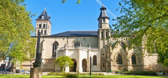 Базилика святого Серина
