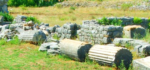 Руины древнего города Дукля