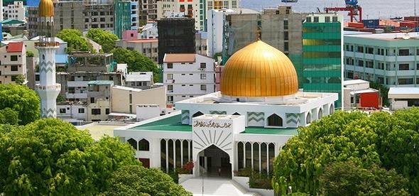 Исламский центр и Большая мечеть
