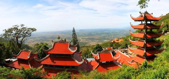 Великолепная Пагода на горе Таку