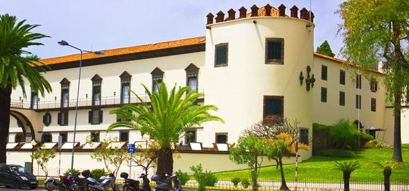 Крепость-дворец Сан-Лоренцо