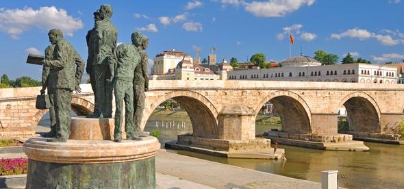 Каменный мост через реку Вардар
