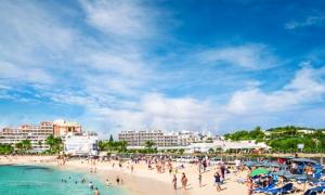 Hoteles en Maho Reef