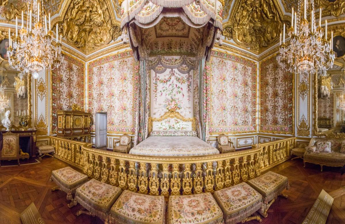 Версальский дворец спальня королевы
